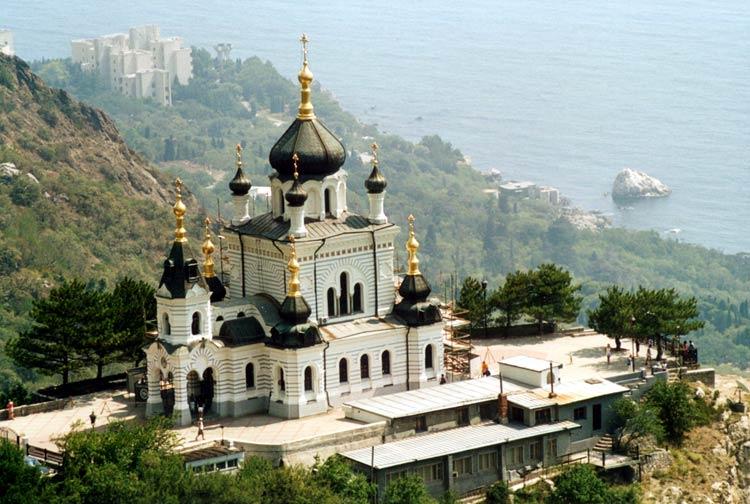 Вид на форосскую церковь